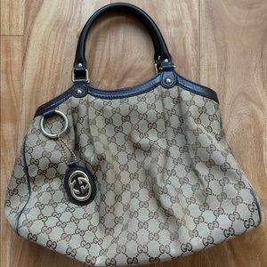 Medium gucci sukey tote Signature